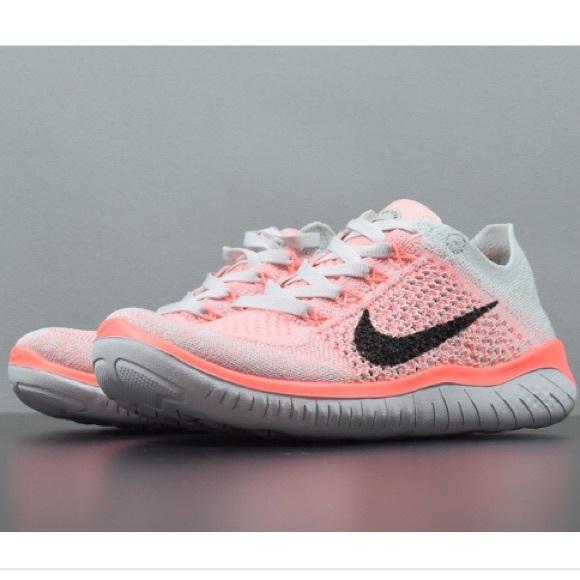 Nike Free RN Flyknit - Size 8